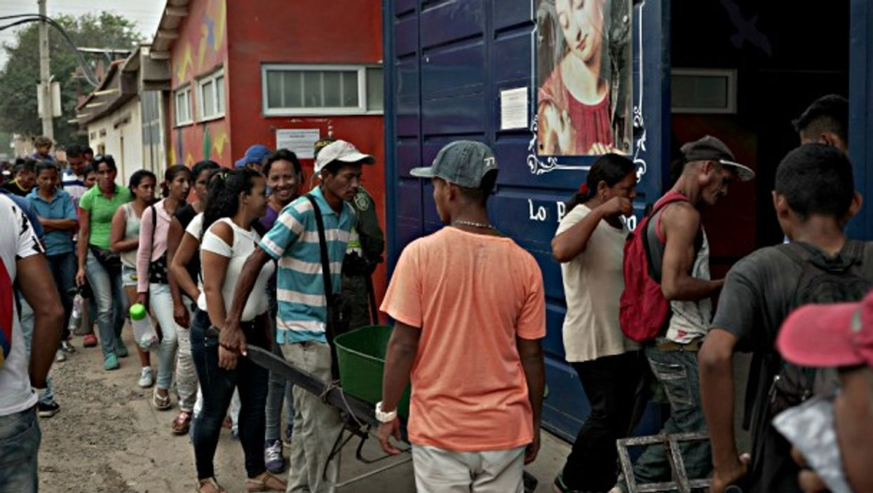 Migrants on the border of Venezuela and Colombia