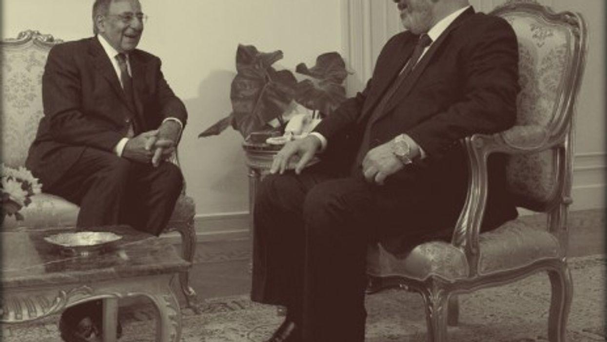 Morsi with US Defense Secretary Leon Panetta