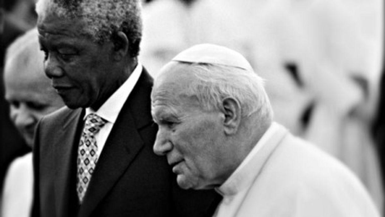 Nelson Mandela and Pope John Paul II in 1995