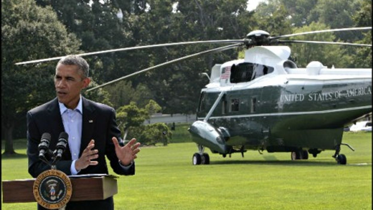 Obama's speaks from the White House lawn about Iraq, before leaving for vacation.