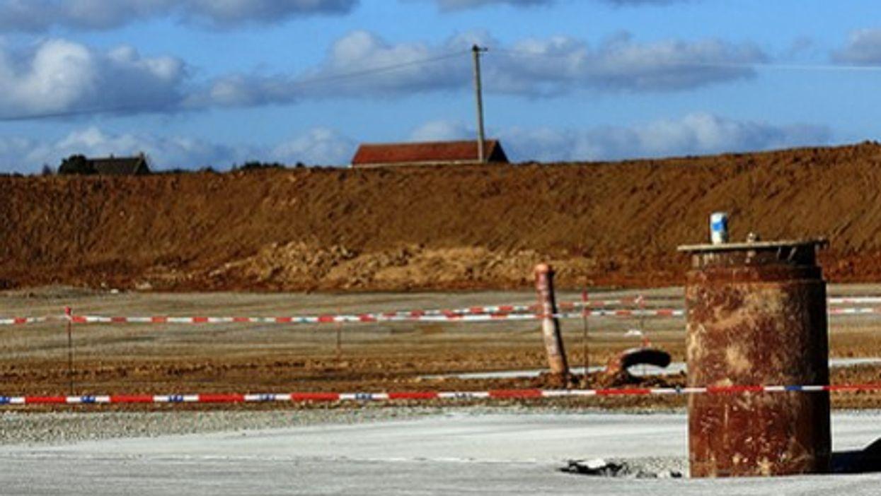 Oil exploration east of Paris (s.letur)
