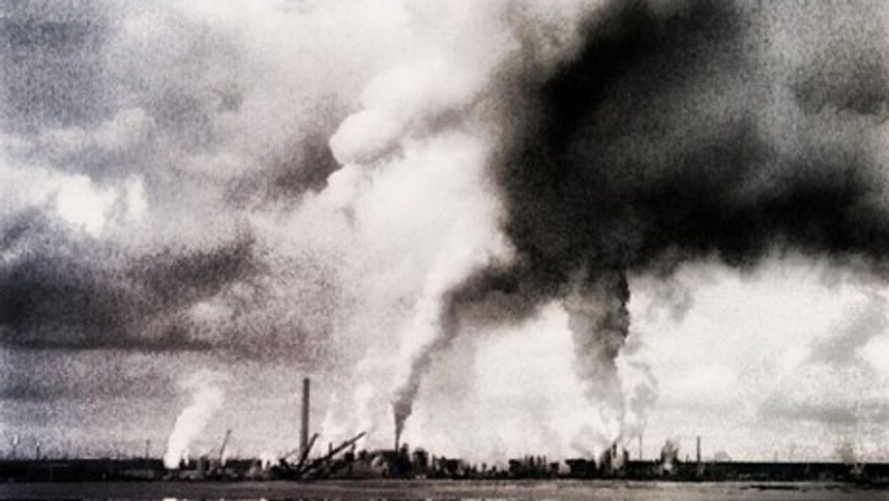 Oil sands exploitation in Fort MacKay, Albertra