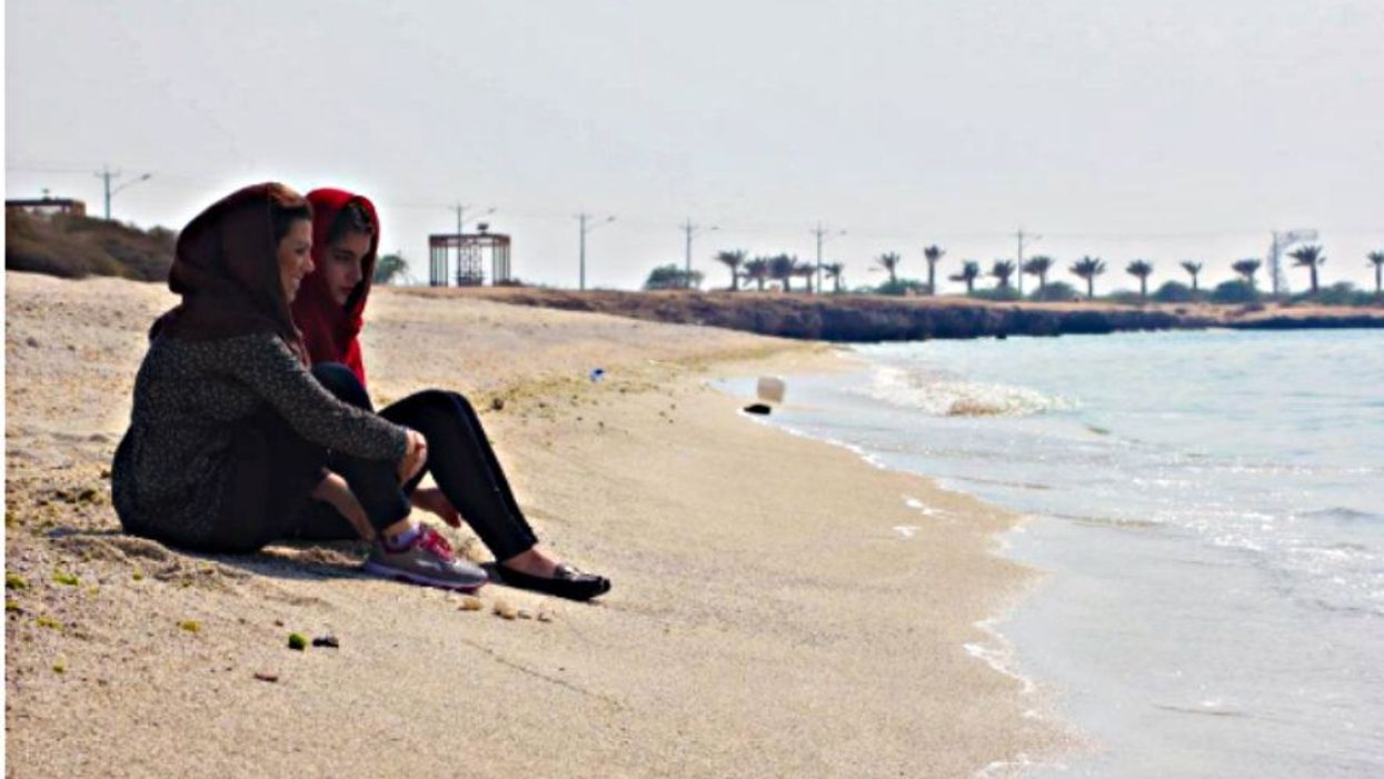 On the beaches of Kish
