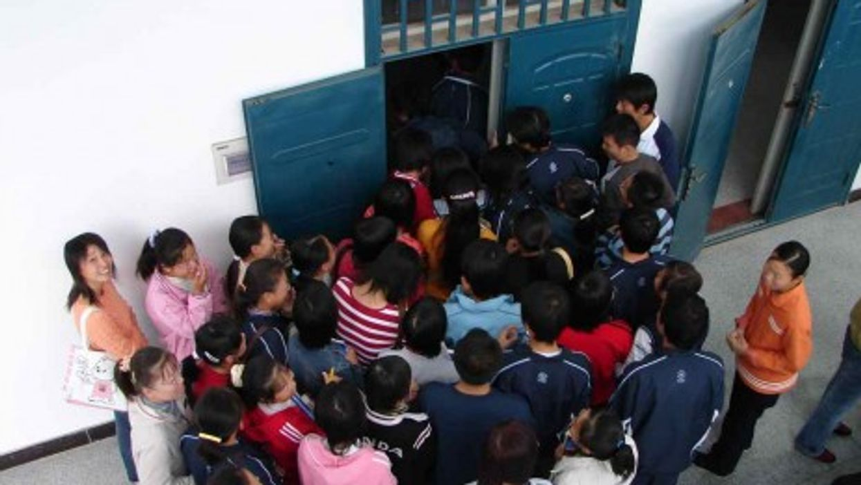 Pack mentality in China's classrooms? (Helga's Lobster Stew)