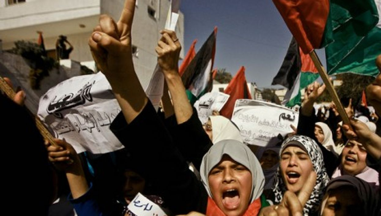 Palestinians calling for national reconciliation in Gaza, March 2011.