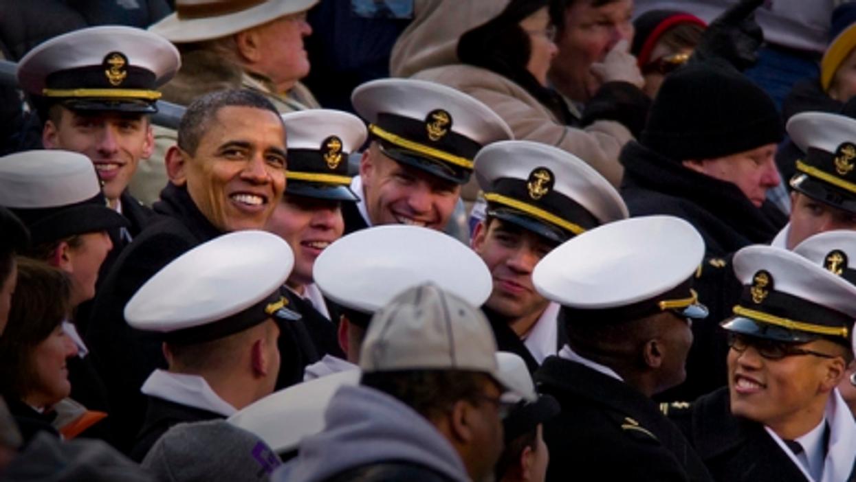 President Obama mingles with U.S. Navy midshipmen (honorablegerman)