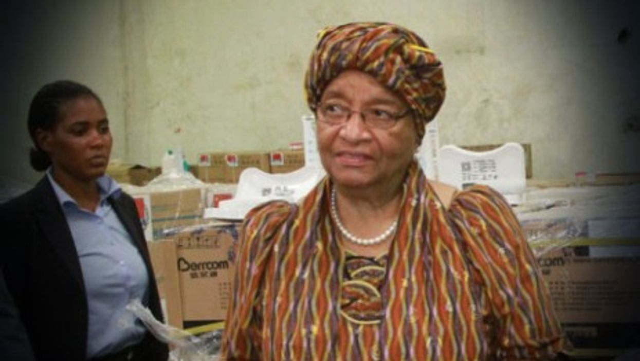 President Sirleaf at the outbreak of the crisis accepts Chinese aid.