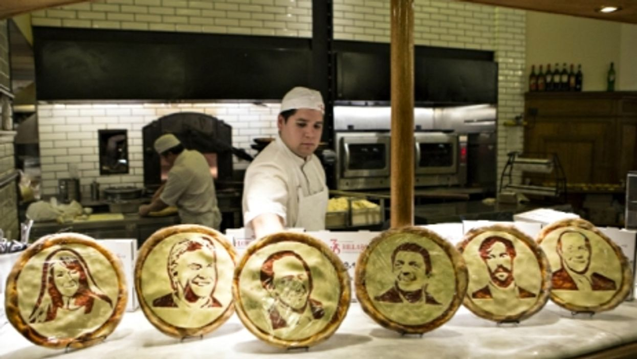 Presidential candidates on pizzas in Buenos Aires