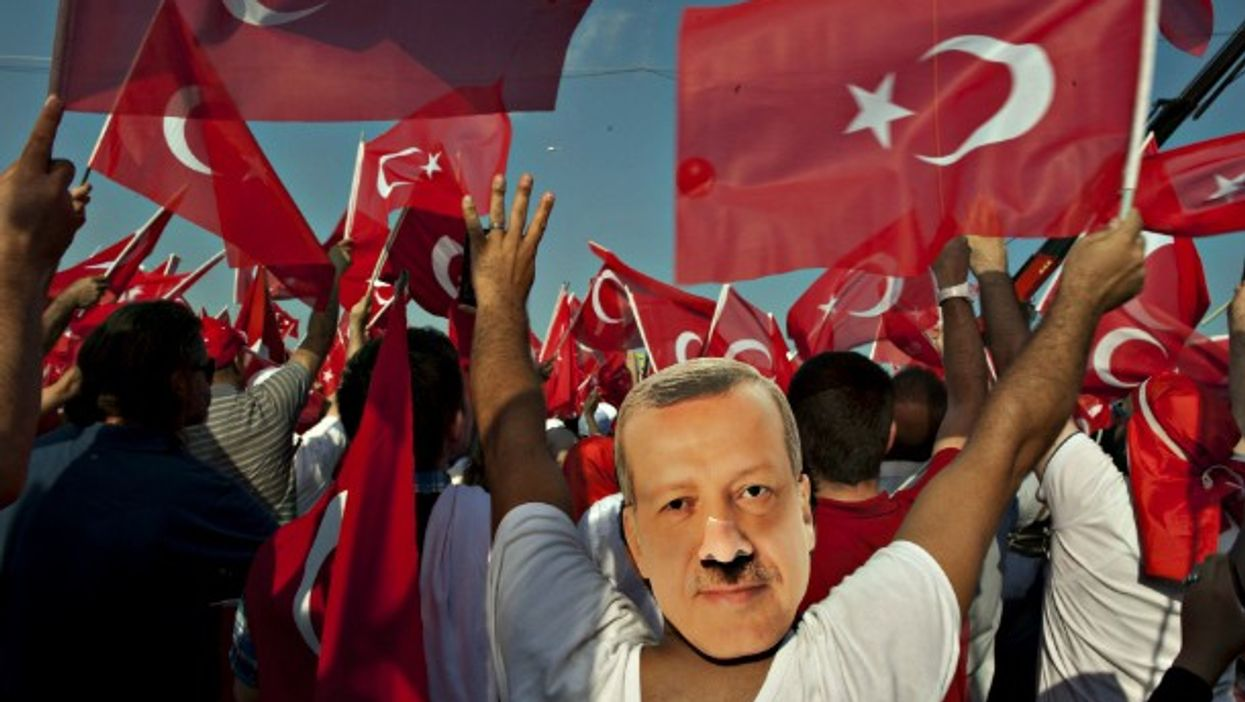 Pro-Erdogan rally in Istanbul on Aug. 7