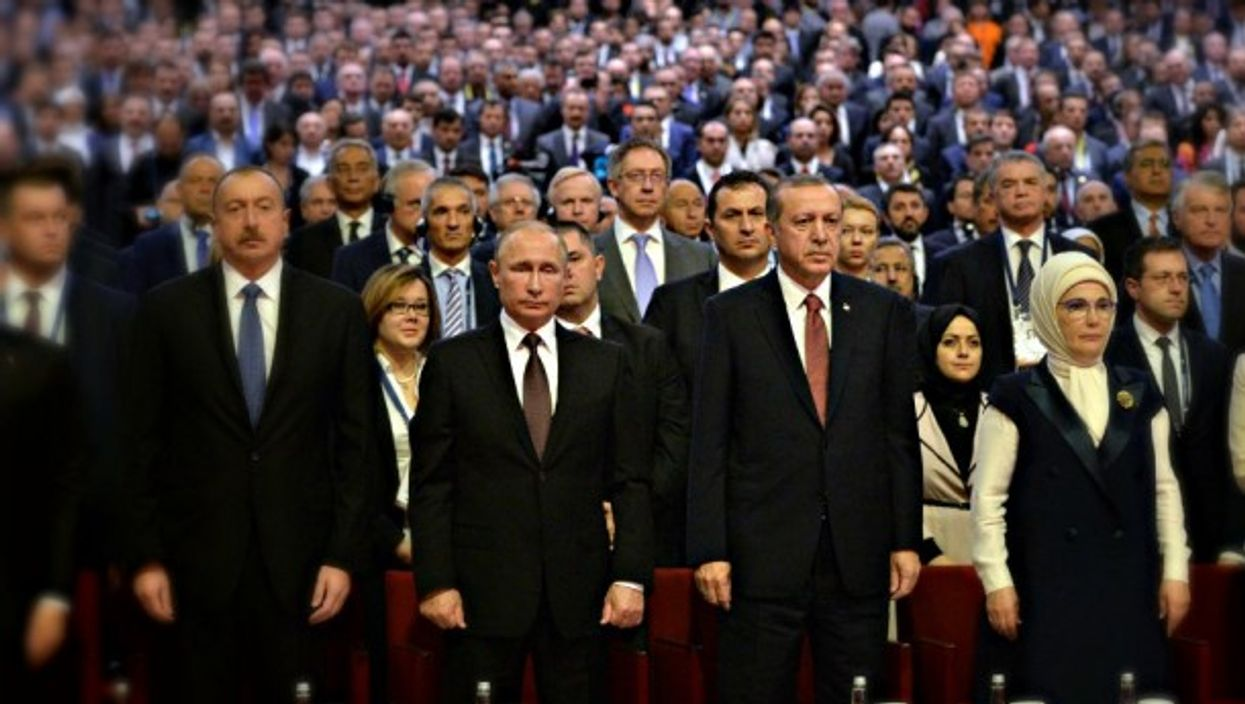 Putin, Erdogan and other leaders last year in Istanbul.