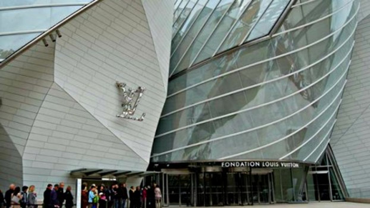 Queuing in front of the Louis Vuitton foundation on opening day (Oct. 28)
