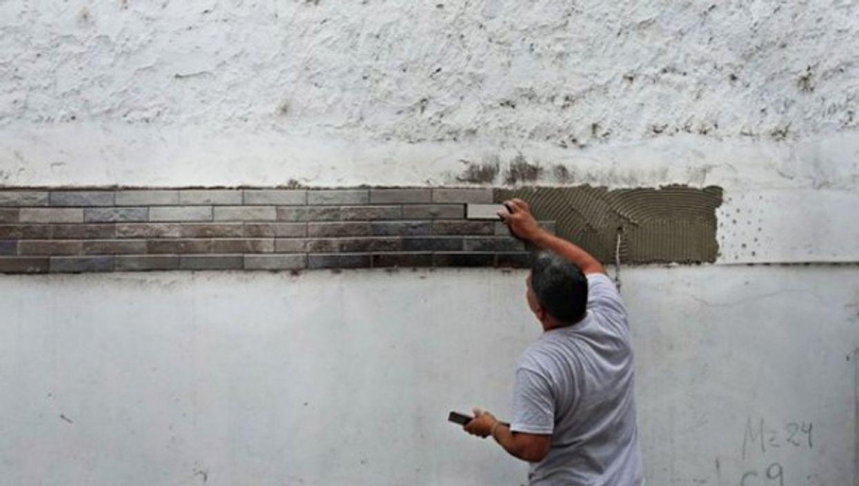 Reflecting bricks at Buenos Aires' Villa 21