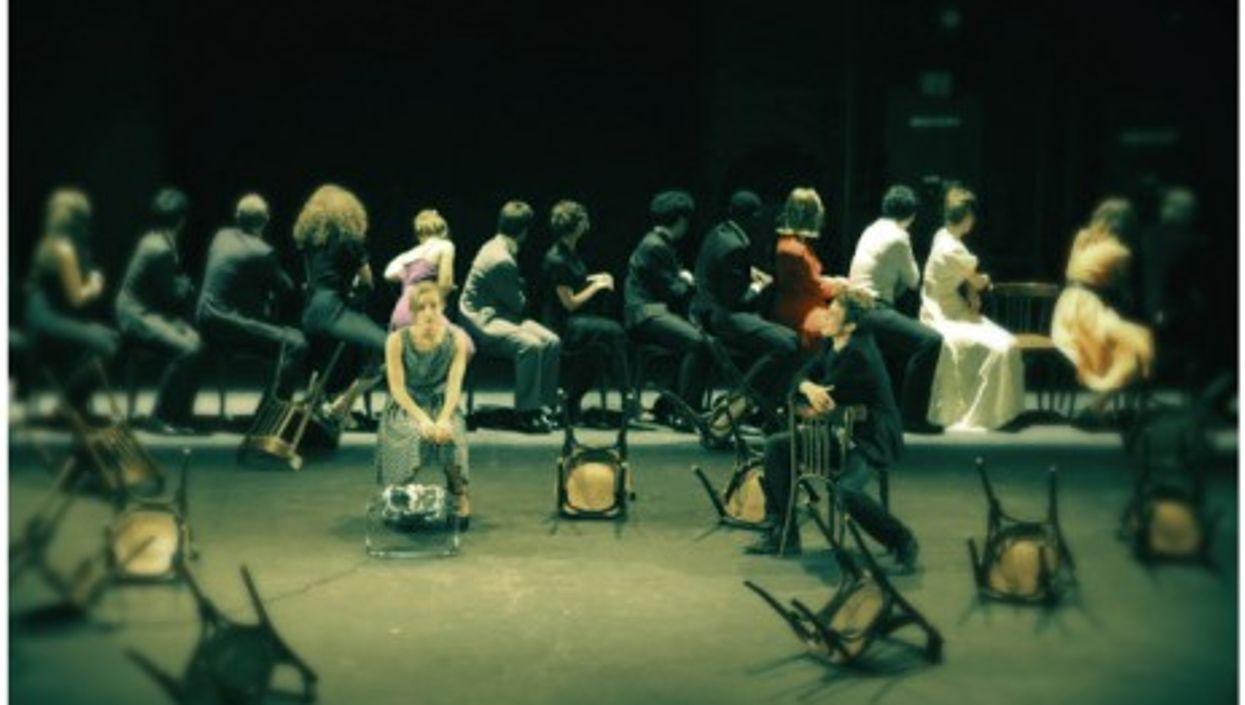 """Rehearsing at Paris's prestigious """"cours Florent"""" drama school"""