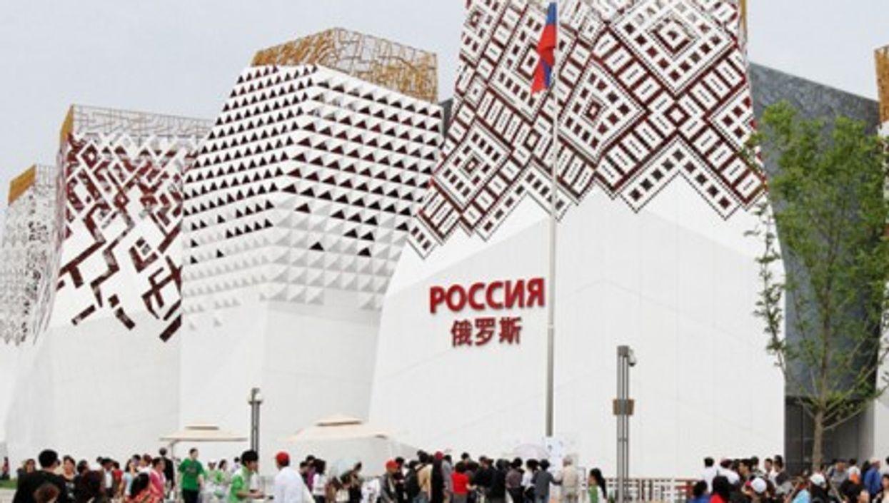 Russian Pavillion at the 2010 Shanghai World Expo (KimonBerlin).