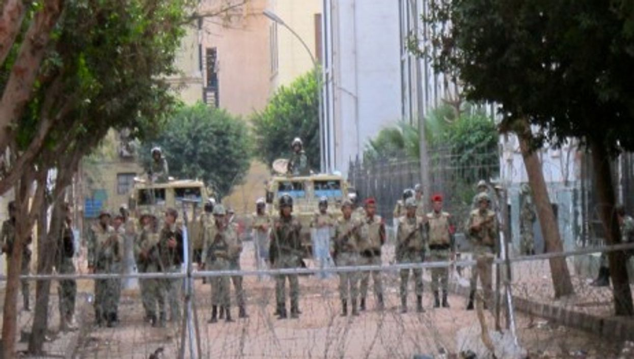 Security forces in Cairo in December 2011 (Gigi Ibrahim)