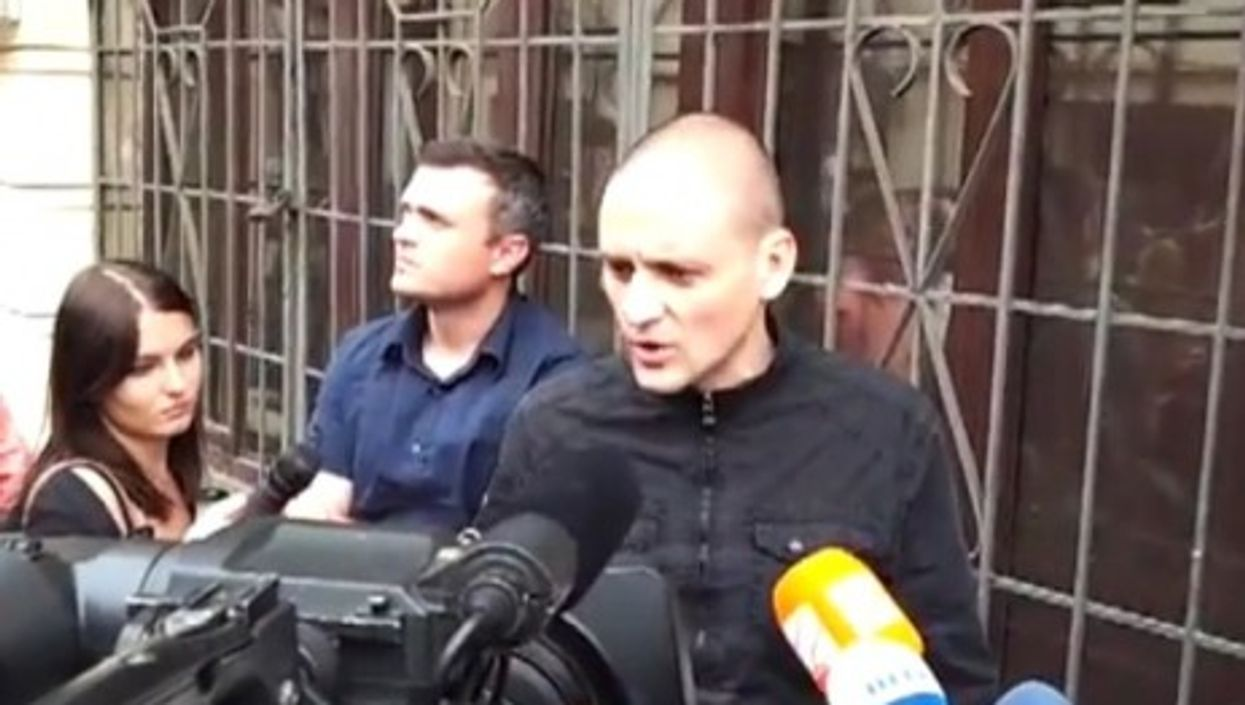 Sergei Udaltsov speaking after his apartment was searched (youtube)