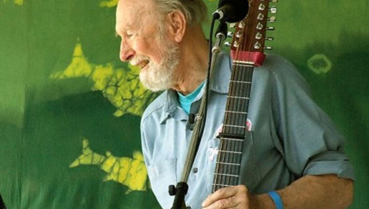 Singer-songwriter Pete Seeger dies at age 94