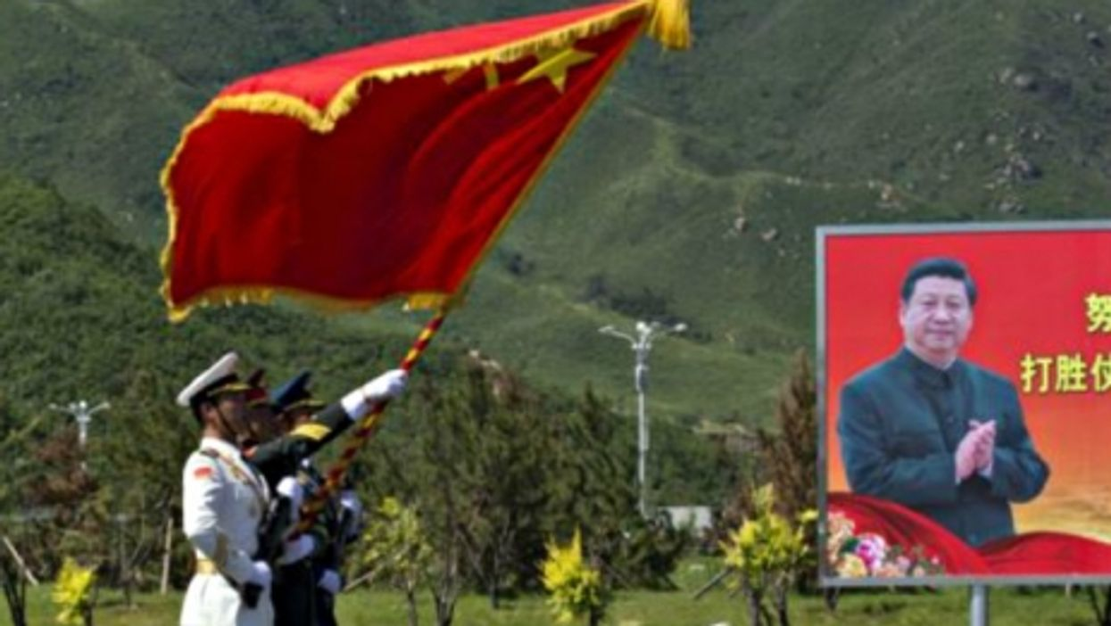Slow Clap, Xi Jinping style...