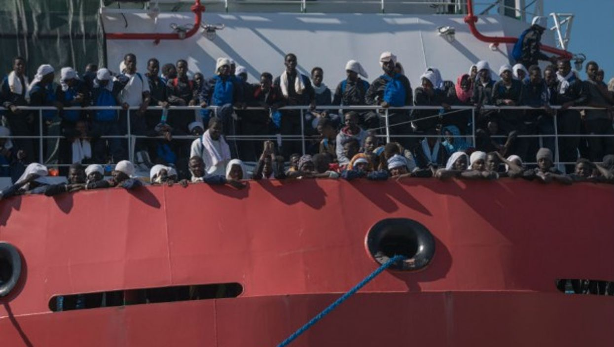 Some 1500 refugees land in Naples in a Doctors Without Borders rescue ship