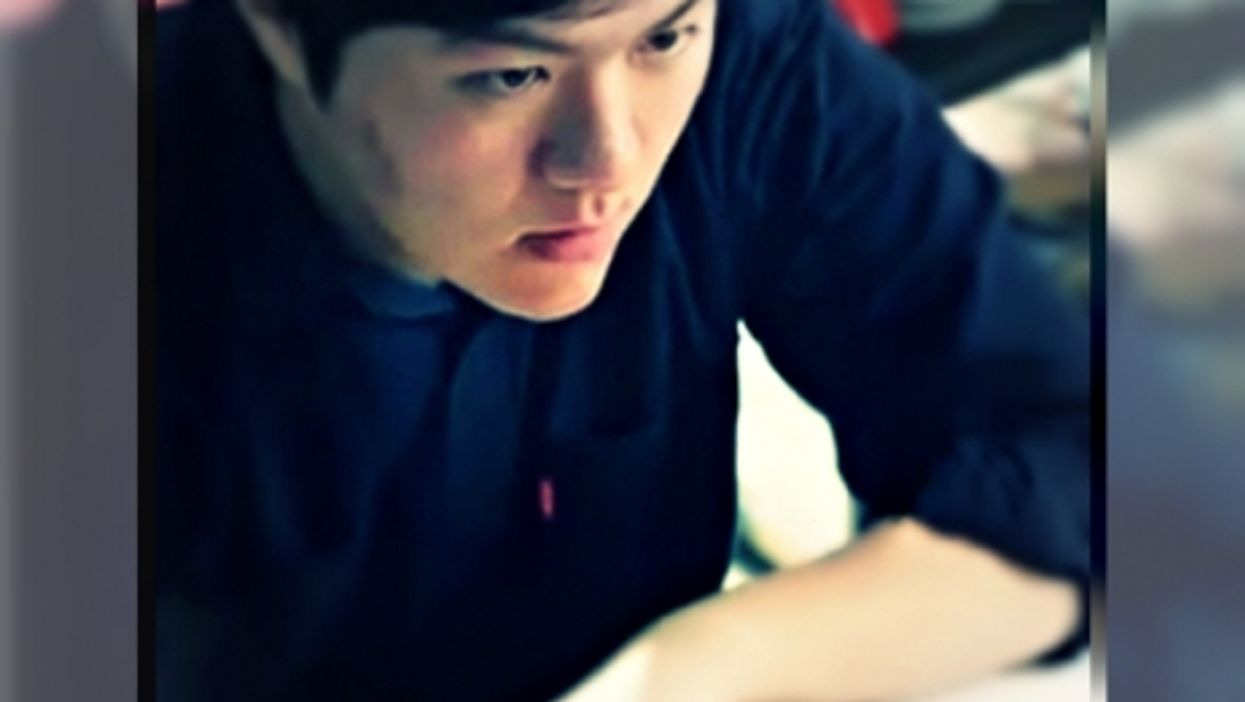 South Korean high school student Kang Tae-won learning English