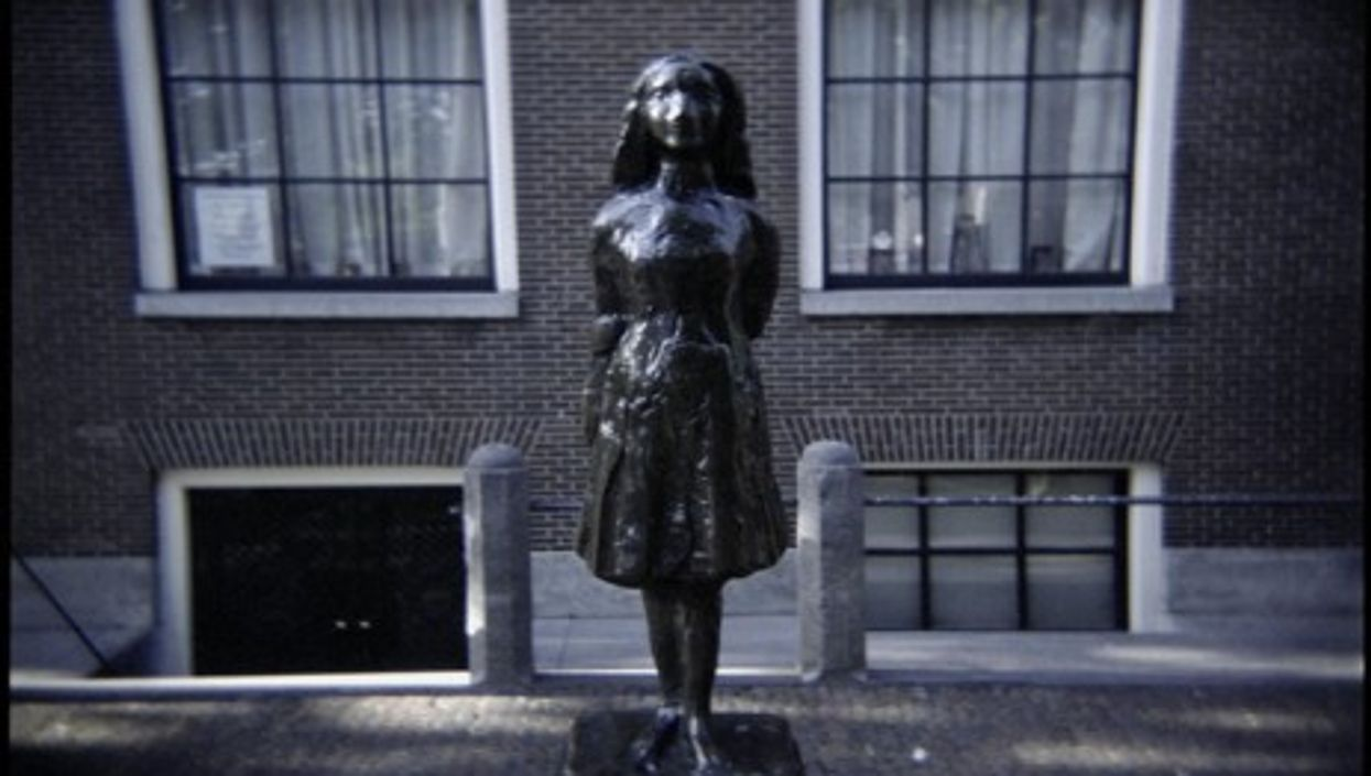 Statue of Anne Frank in Amsterdam, close to the Anne Frank House museum (Okko Pyykkö)