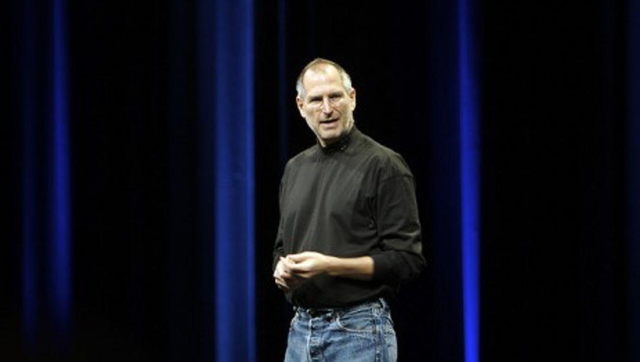 Steve Jobs in 2007 (acaben)