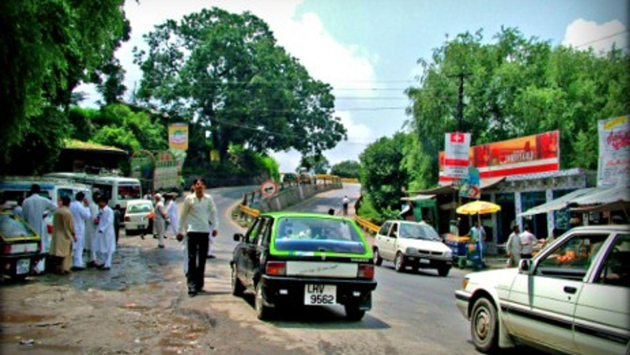 Street scene near Rawalpindi, Pakistan