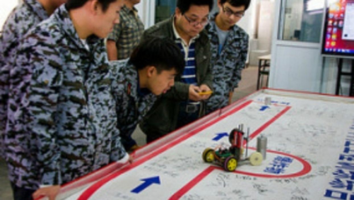 Students at Tsinghua University learn to make robots