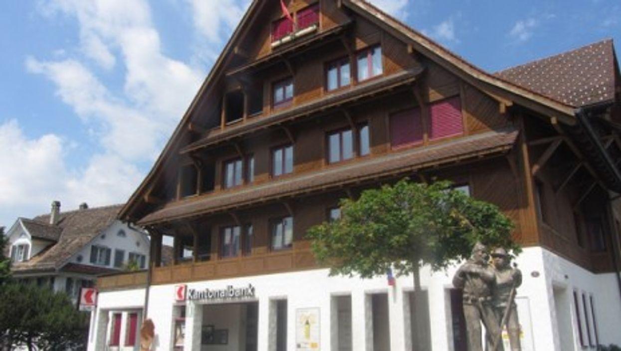 Swiss Kantonalbank (Emerald Ann Bonzi)