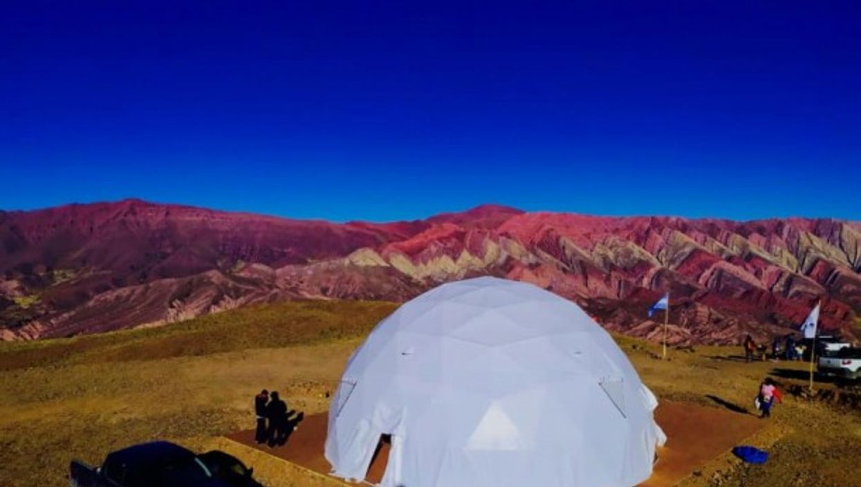 The domes can be used as amountain refuge, forhigh-end campingor for storage