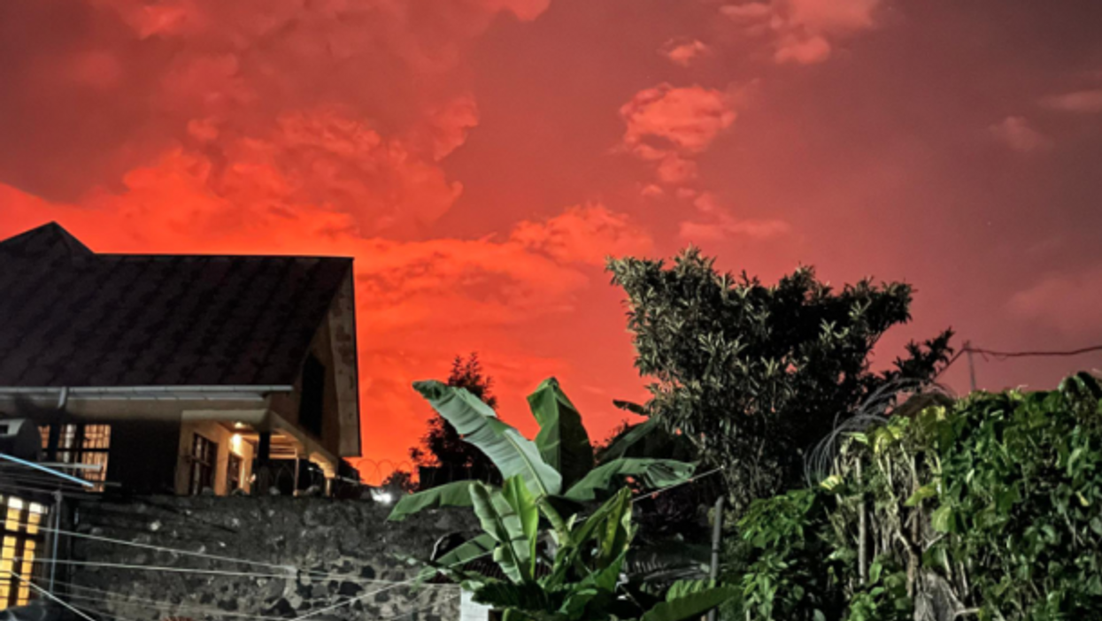 The night sky turned red in Goma, DRC as the Nyiragongo volcano erupted, killing at least 15