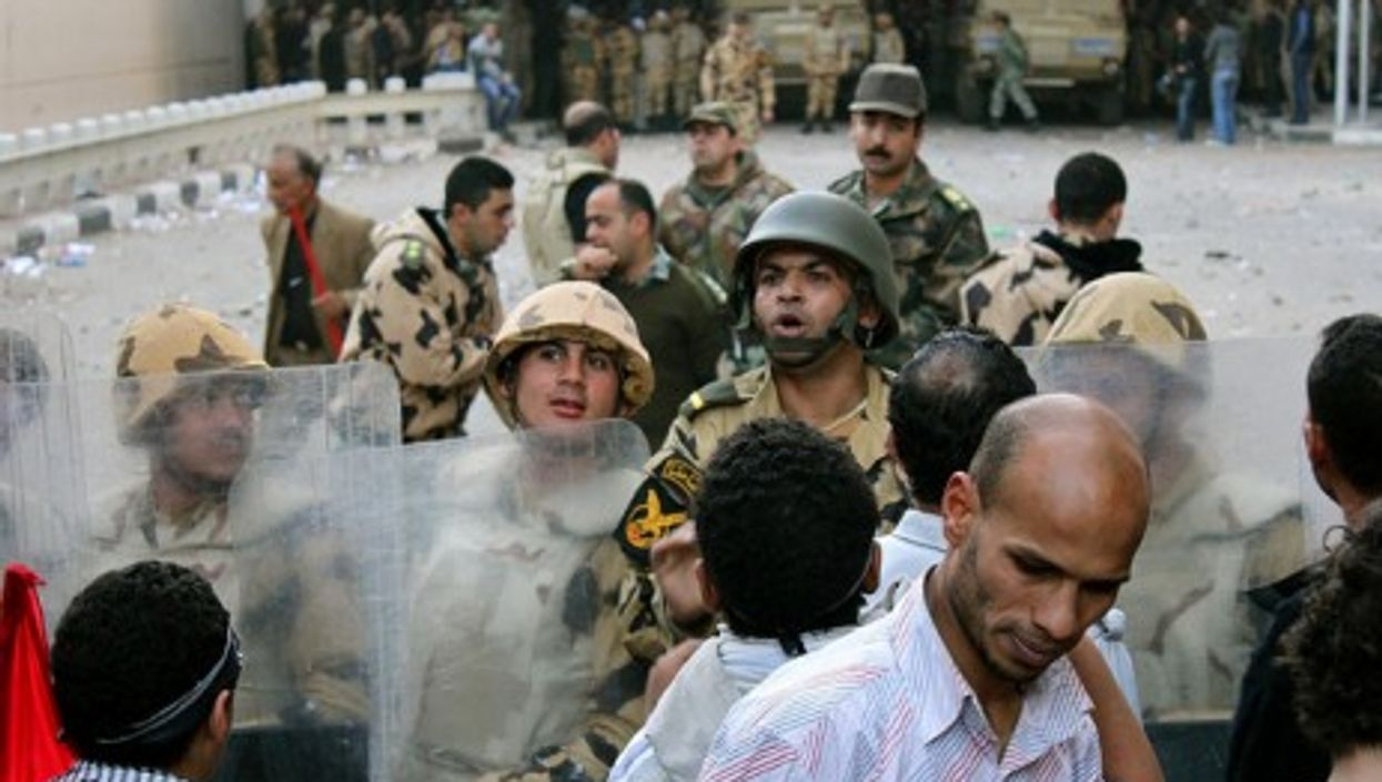 The people and the army, in Cairo (Gigi Ibrahim)