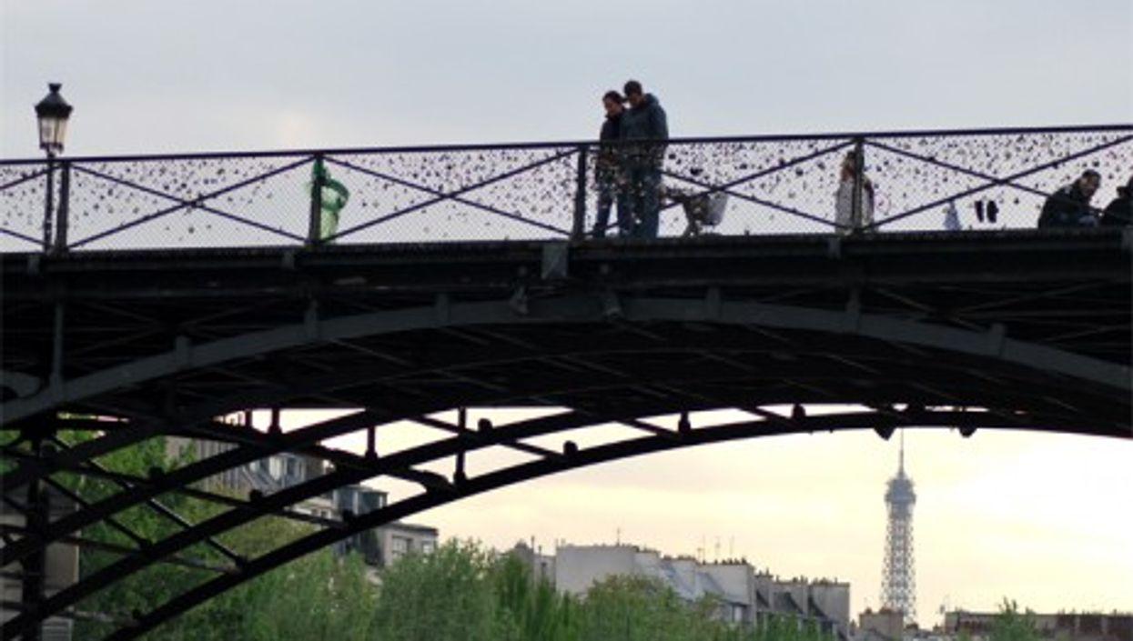 The Pont des Arts pedestrian bridge in Paris (Bertrand Hauger)