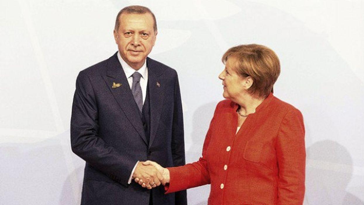 The world is watching (Bundesregierung/Denzel)