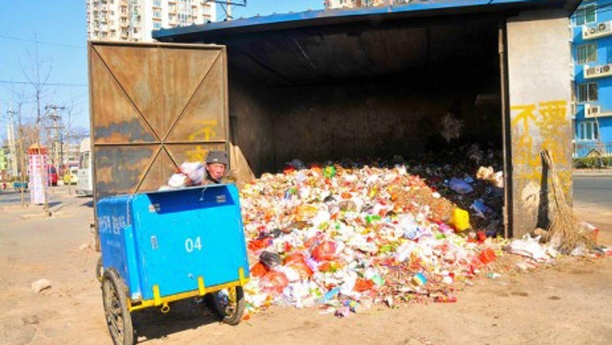 Trash in Beijing (Boris van Hoytema)