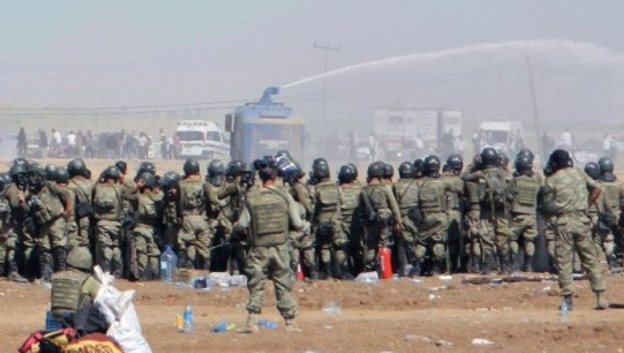 Turkish authorities clamp down at border crossings.