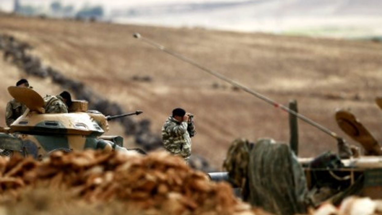 Turkish troops on the outskirts of Kobani