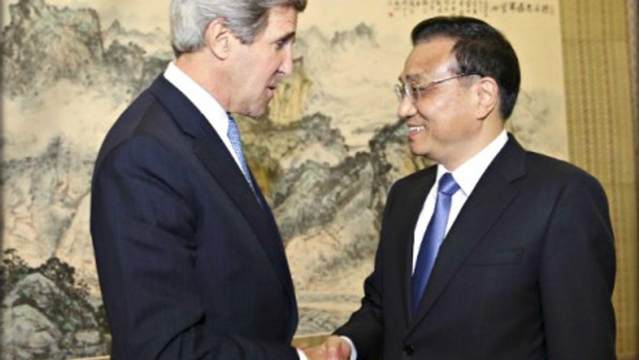 U.S. Secretary of State John Kerry and Chinese Premier Li Keqiang