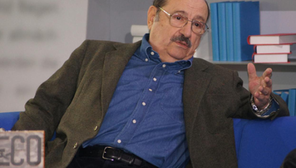 Umberto Eco (das blaue sofa)