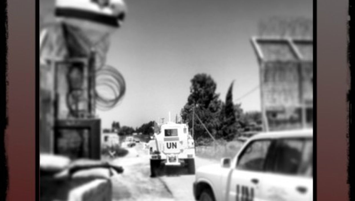 UN vehicles between Israel and Syria...