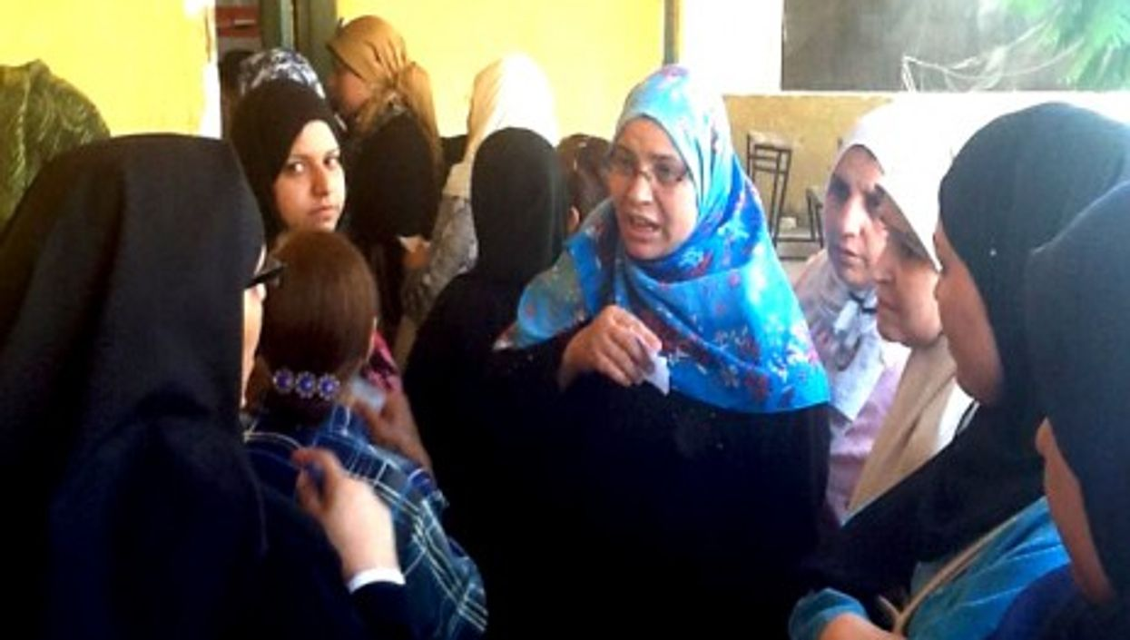 Women at a Cairo polling station on May 23, 2012 (Sonia Dridi)
