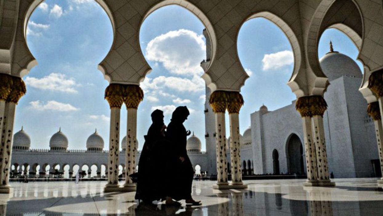 Women in Abu Dhabi