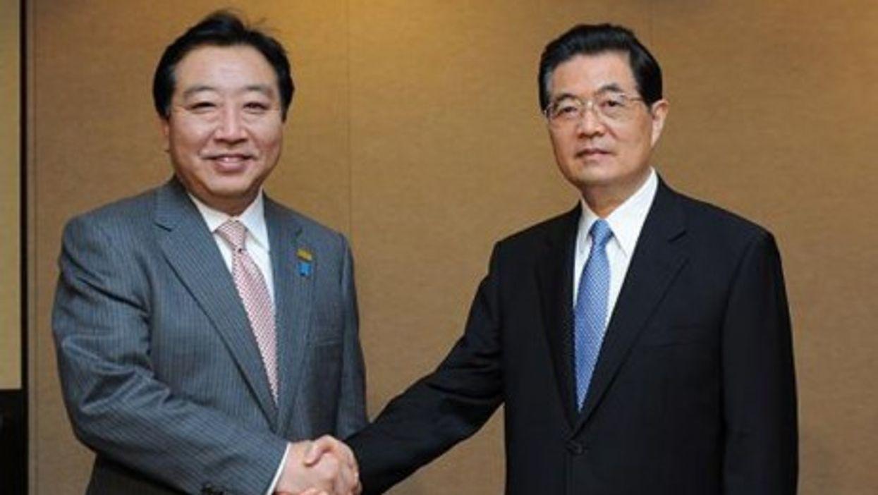 Yoshihiko Noda and Hu Jintao during the APEC meeting.