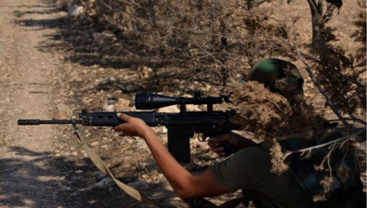 Young would-be soldiers duck Syria's military service mandate